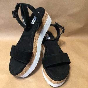 13204f989fb Steve Madden Shoes - Steve Madden Bodhi Platform Ankle Strap Sandal 💥